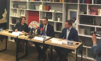 Press Conference<br />